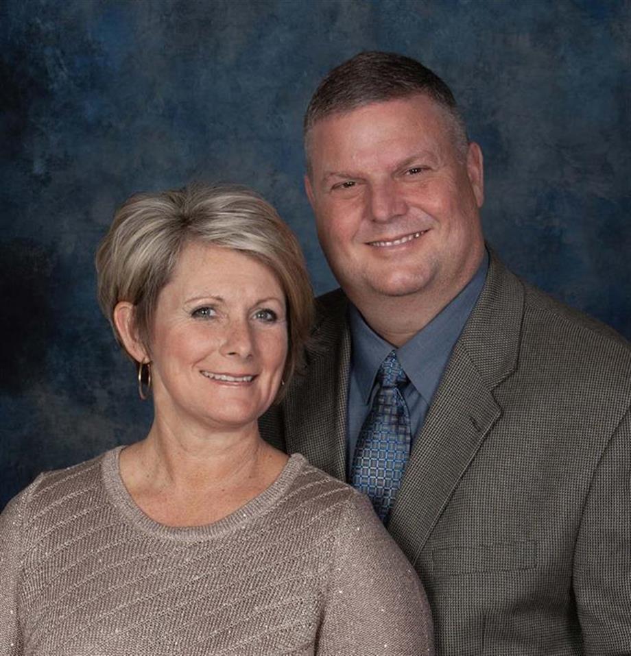 Hi, We're Mark & Renee Milstead