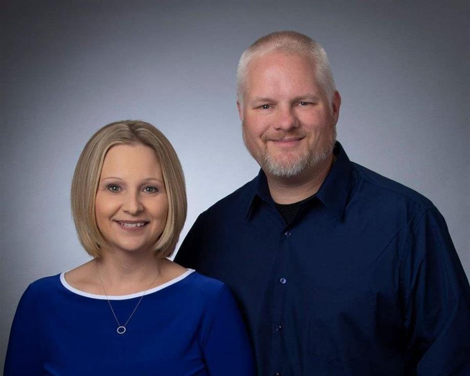 Hello, We're Kristy & Glen